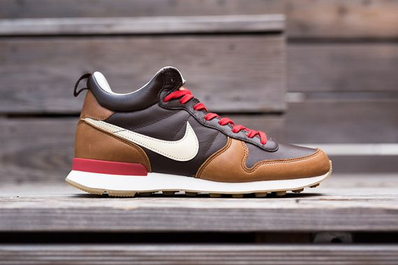 nike-internationalist mid-escape