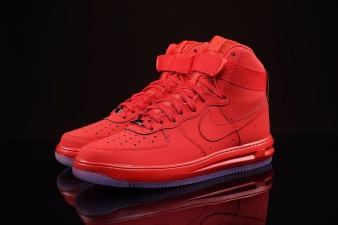 newest 4eb82 352be ... nike-lunar-force-1-high-red-681x454 ...