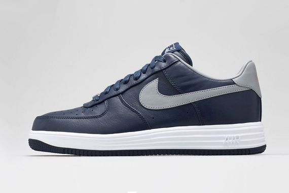 nike-patriots-lunar force 1