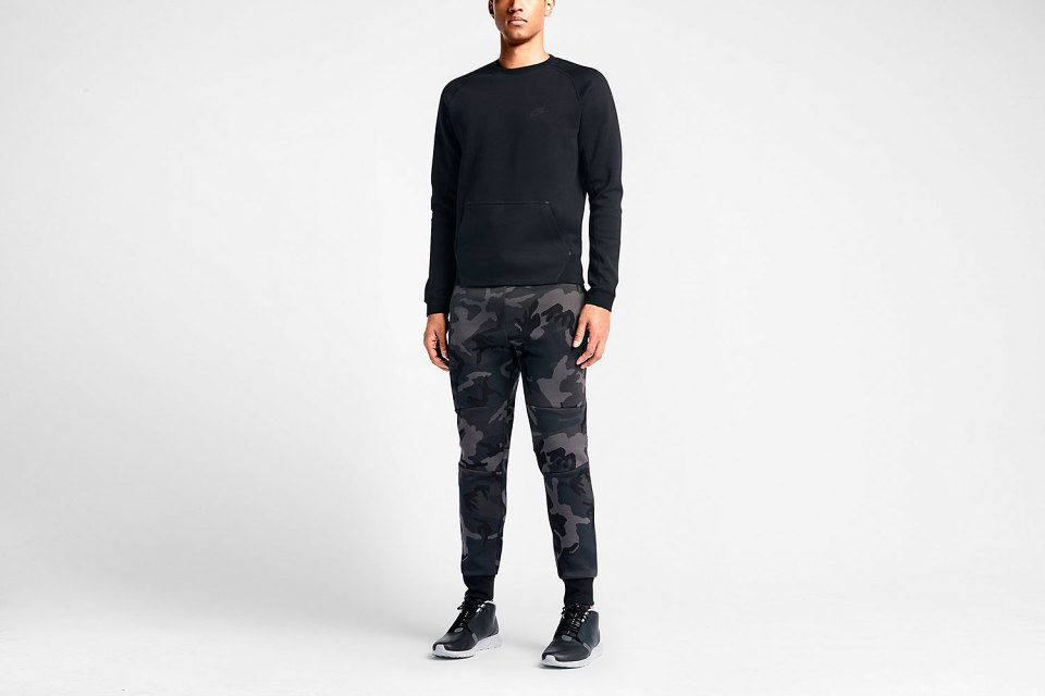nike-tech-fleece-camo-pants-1-960x640