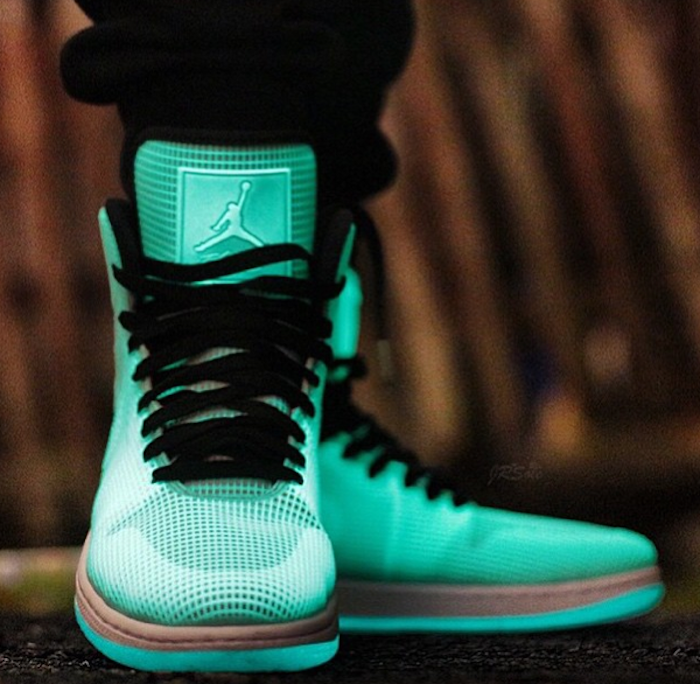 on-feet-photos-air-jordan-4lab1-glow-1