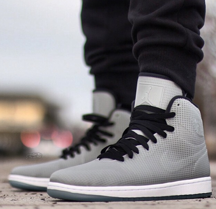 on-feet-photos-air-jordan-4lab1-glow-3