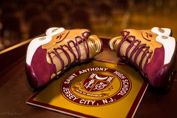 packer shoes-reebok-question-saint anthony_02