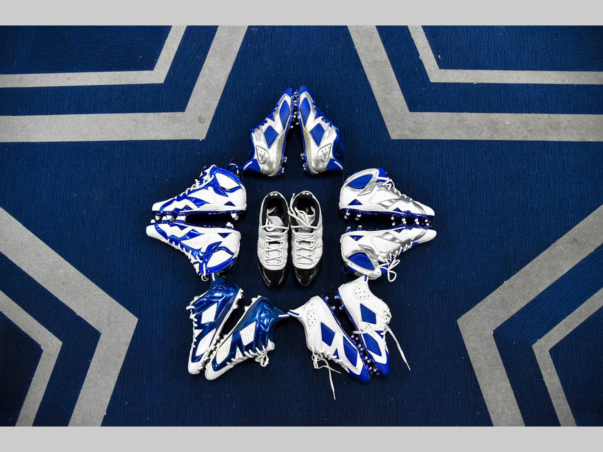 A Look at Dez Bryant s Air Jordan Cleats for this Season fbf98726f4