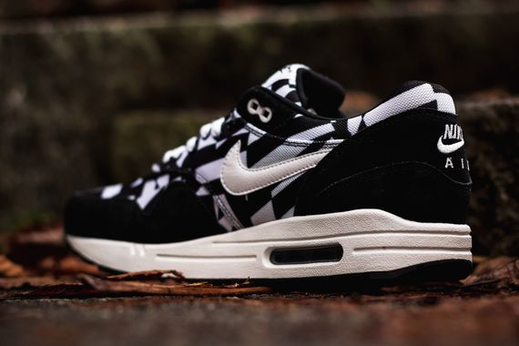 nike-air max 1 gpx-black-white_03