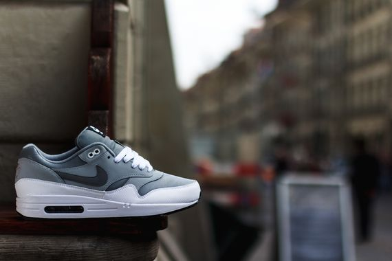 nike-air max 1 leather-grey-white-black_03