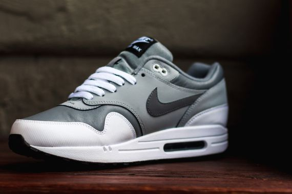 nike-air max 1 leather-grey-white-black_04