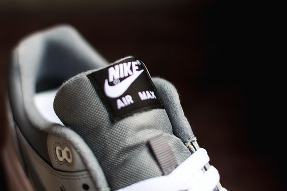 nike-air max 1 leather-grey-white-black_05