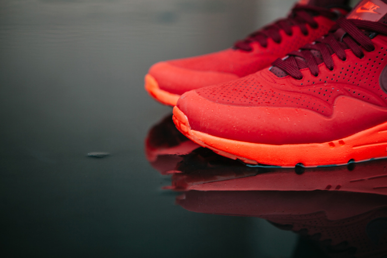 nike-air-max-1-ultra-moire-university-red-3