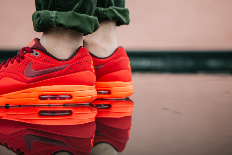 nike-air-max-1-ultra-moire-university-red-6
