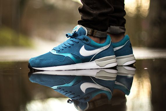 nike-air odyssey-dark electric blue_02