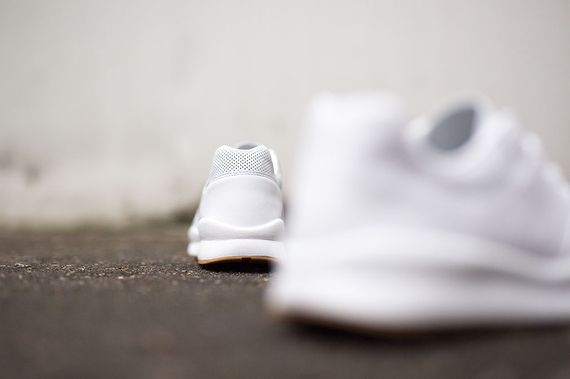 nike-safari deconstruct-white-gum_02