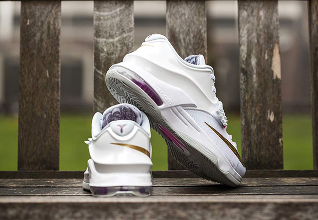 Nike-KD7-PRM-Aunt-Pearl-arriving-at-retailers-3