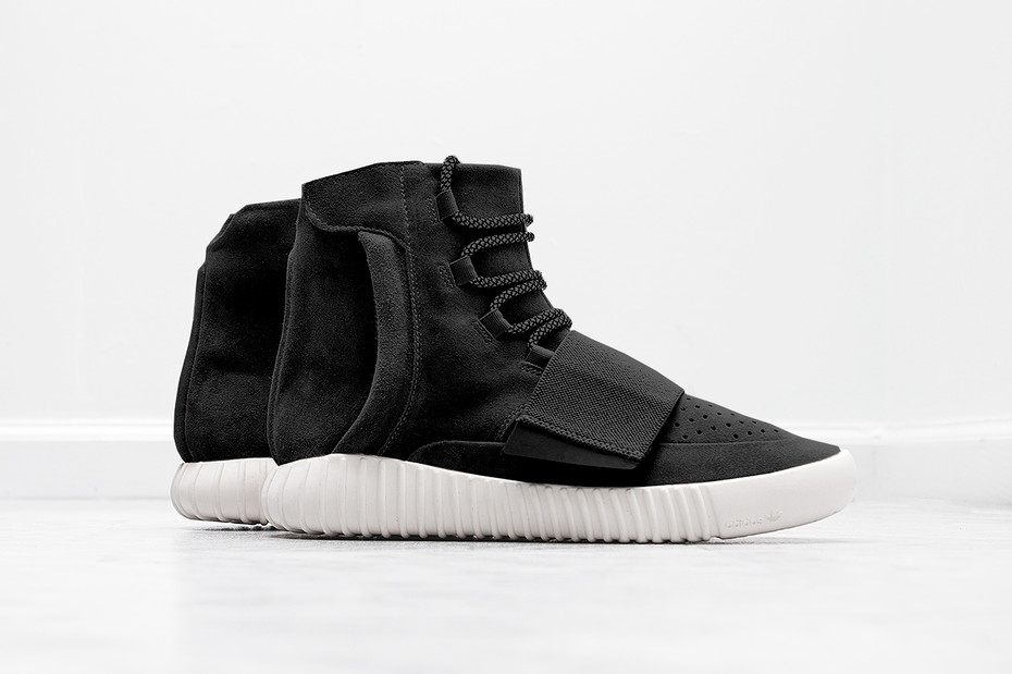 Yeezy-Boost-Black