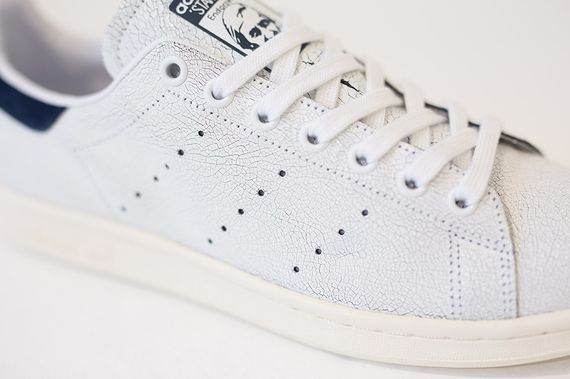 adidas-stan smith cracked leather-collegiate navy