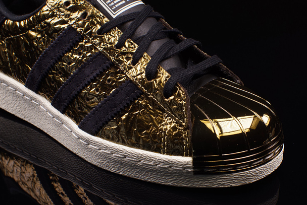 adidas-superstar-80s-metal-toe-gold-foil-04