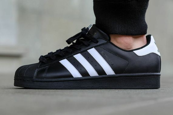 adidas-superstar-black-white_02