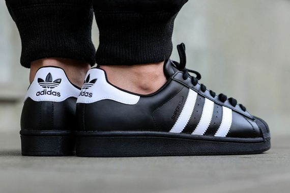 adidas-superstar-black-white_04