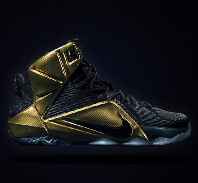 nike-lebron-12-grammy-night