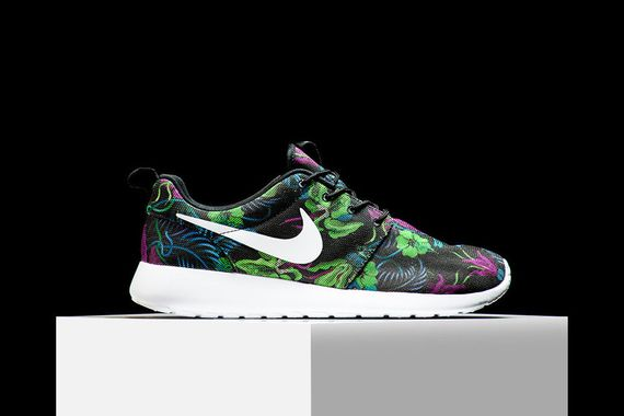 nike-roshe run-print-smoky lotus