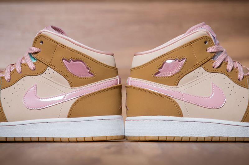 Air-Jordan-1-Mid-WB-GS-Lola-Bunny-3_result