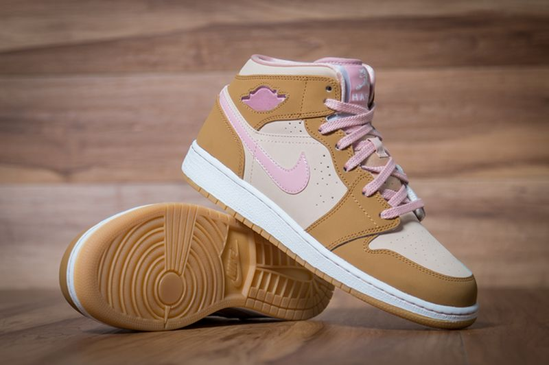 Air-Jordan-1-Mid-WB-GS-Lola-Bunny-5_result