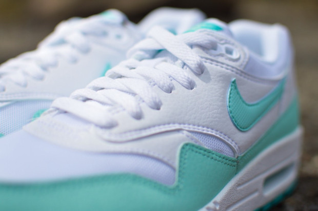 Nike-Womens-Air-Max-1-Artisan-Teal-1