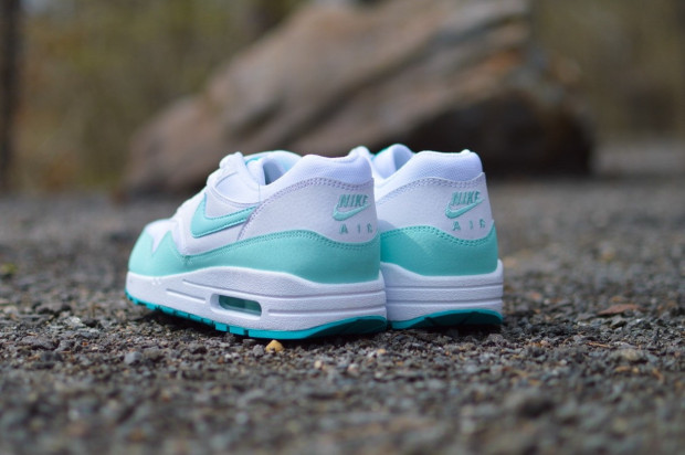 Nike-Womens-Air-Max-1-Artisan-Teal-3