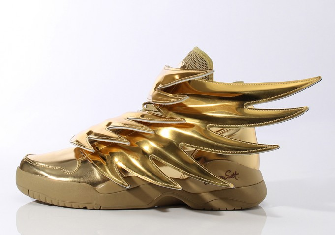 adidas-originals-jeremy-scott-wings-3-0-gold-681x478