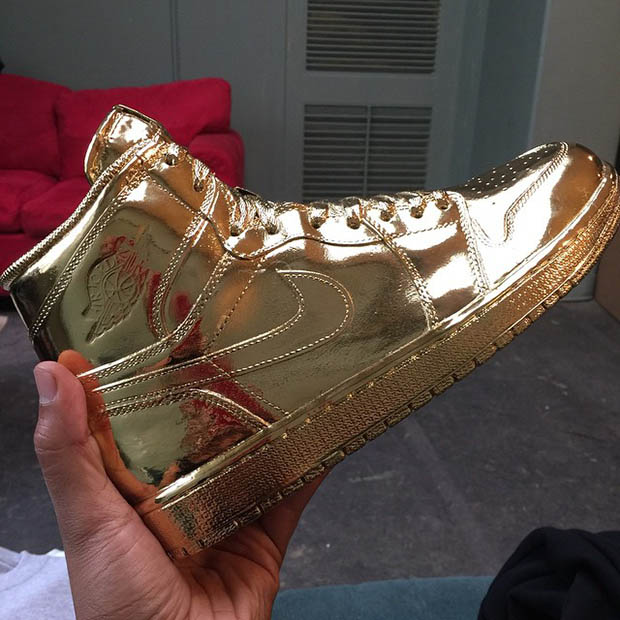 air-jordan-1-metallic-gold-ludacris-1