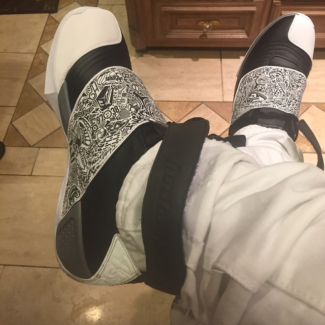 air-jordan-20-black-white