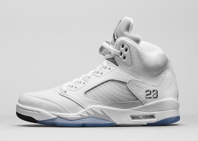 air-jordan-5-retro-metallic-silver-681x487