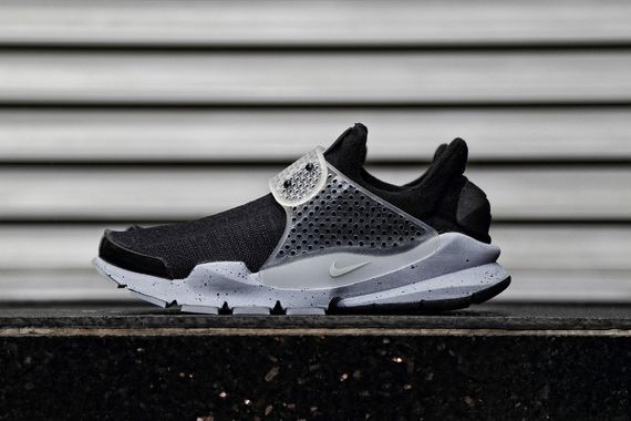 fragment design-nike-sock dart-oreo