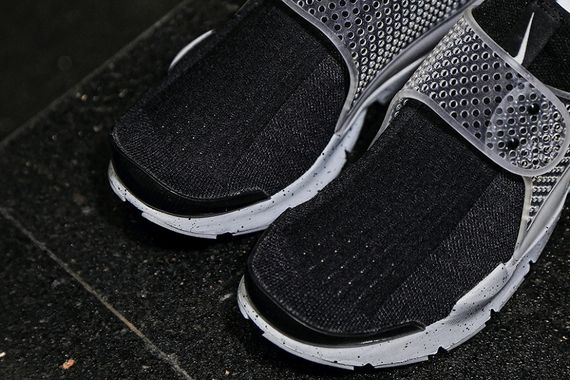 fragment design-nike-sock dart-oreo_04