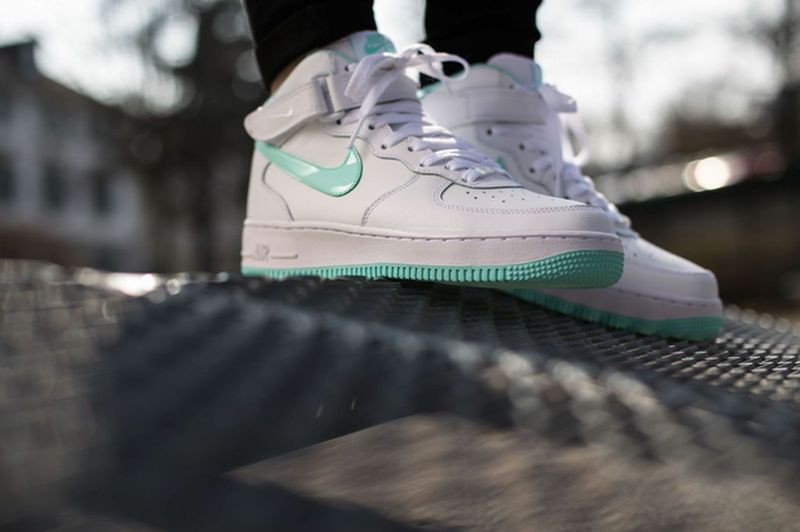 nike-air-force-1-artisan-teal_03_result