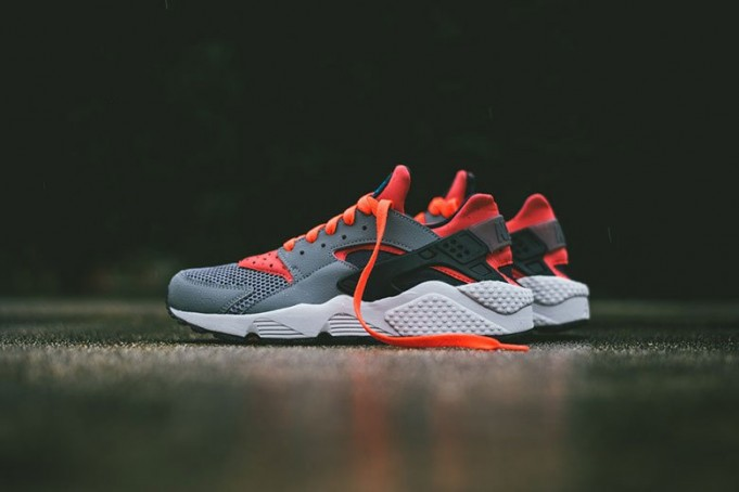 nike-air-huarache-cool-grey-bright-crimson-681x454