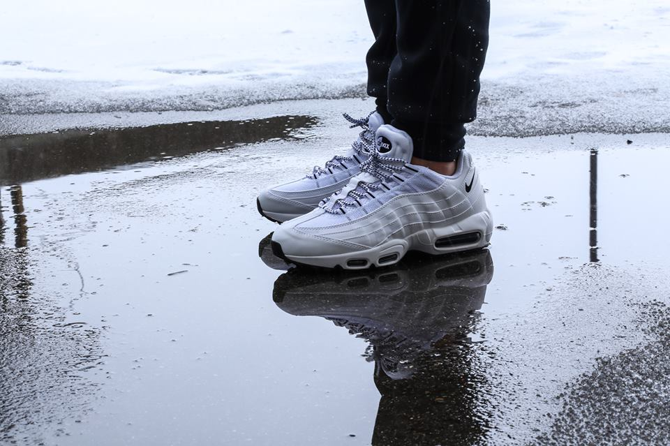 nike-air-max-95-white-black-2