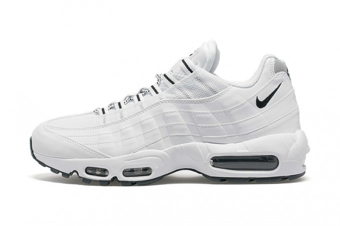 nike-air-max-95-white-black1-681x454