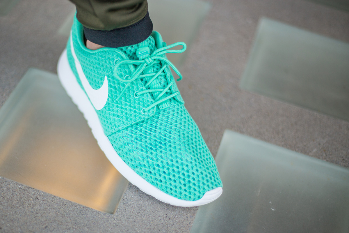 nike-roshe-run-breeze-calypso-green-3