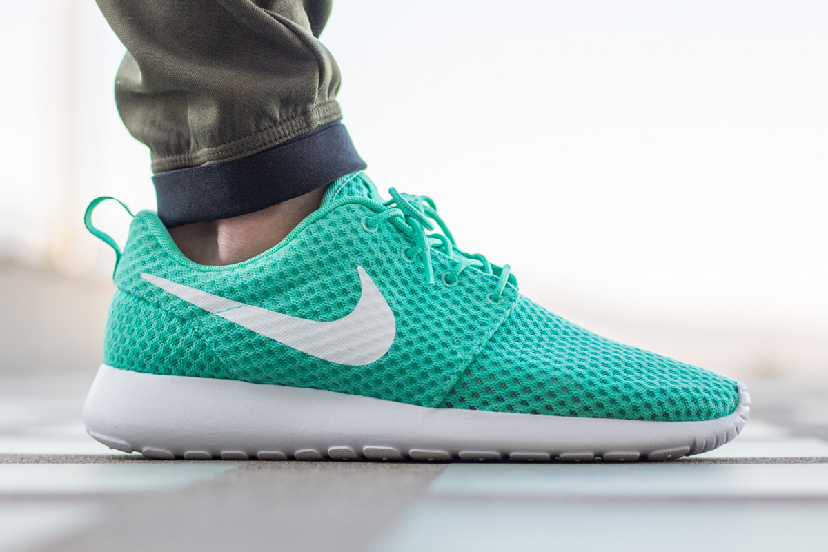nike-roshe-run-breeze-calypso-green