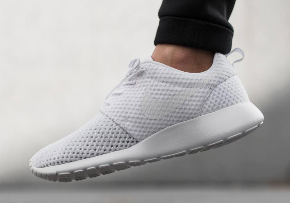 nike-roshe-run-breeze-white-wolf-grey-1