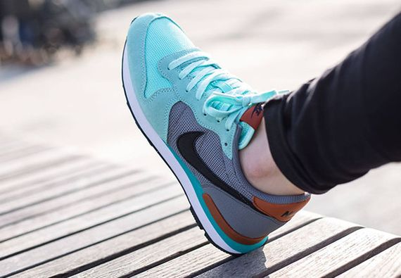 nike wmns-internationalist-artisan teal