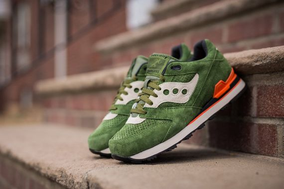 saucony-courageous-green-orange