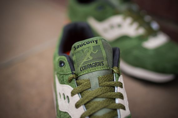 saucony-courageous-green-orange_02