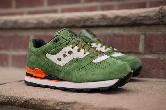 saucony-courageous-green-orange_04
