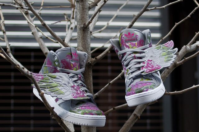 Jeremy-Scott-adidas-JS-Wings-Reflective-Floral-1_result
