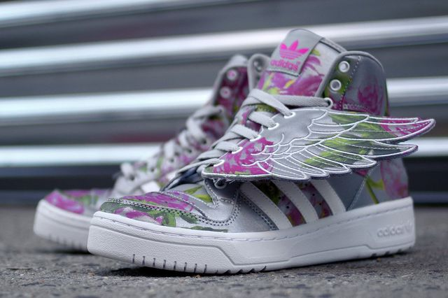Jeremy-Scott-adidas-JS-Wings-Reflective-Floral-2_result