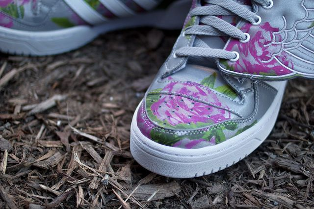 Jeremy-Scott-adidas-JS-Wings-Reflective-Floral-3_result