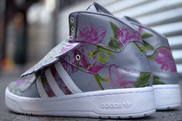 Jeremy-Scott-adidas-JS-Wings-Reflective-Floral-4_result
