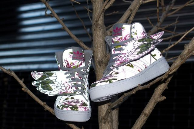 Jeremy-Scott-adidas-JS-Wings-Reflective-Floral-681x454_result
